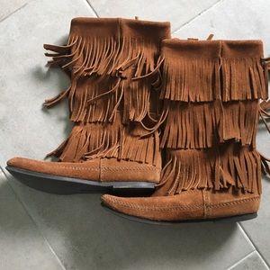 Minnetonka Moccasin Mid Calf 3 Layer Fringe Boots